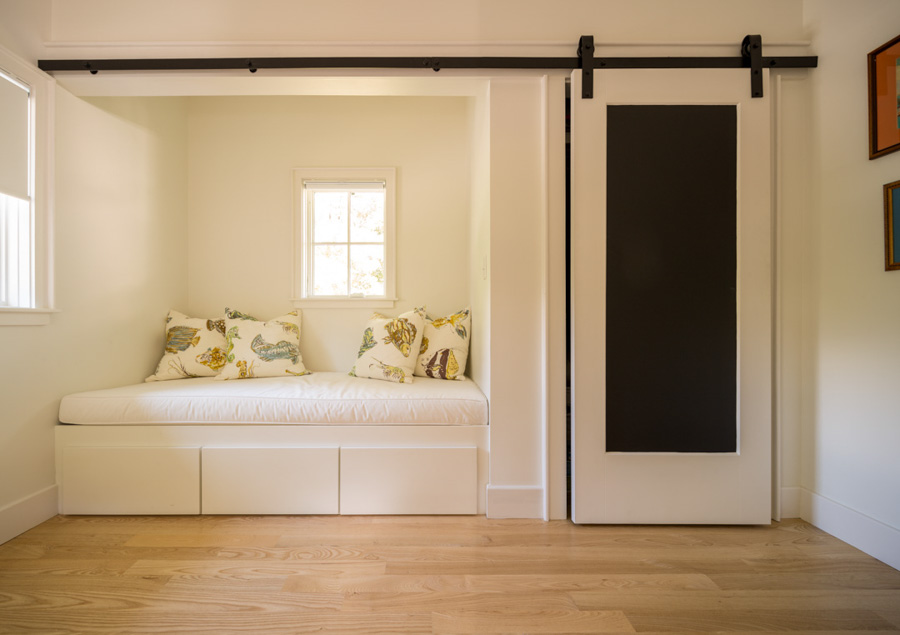 minimalist design bedroom